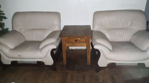 2 chairs & end table for Sale in Stockton, CA