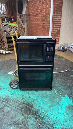 Sears. oven and microwave. for Sale in Nashville, TN