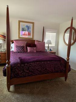 Cal King bedroom set for Sale in Gardena,  CA