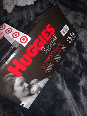 Huggies Newborn Size Diapers 👶 for Sale in Los Angeles, CA