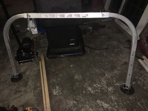 Ladder stabilizer model 97p for Sale in Cleveland, OH
