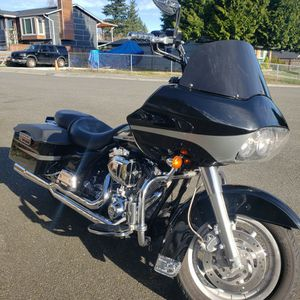 2006 Harley Davidson Road Glide FLTRI. 18,000 Original Low Miles. Excellent Condition With All The Extras You Can Think Of. Clean Title In Hand.. for Sale in Lynnwood, WA