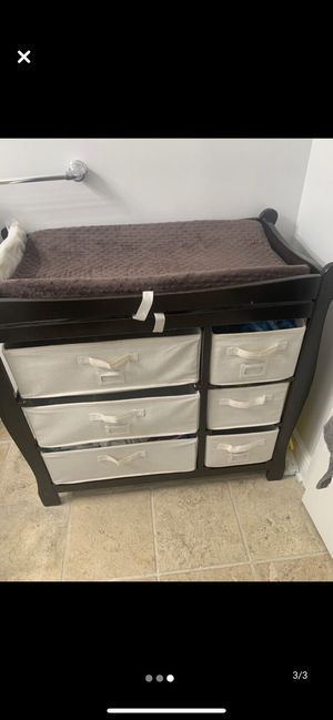 Changing table. Include pad for Sale in Secaucus, NJ