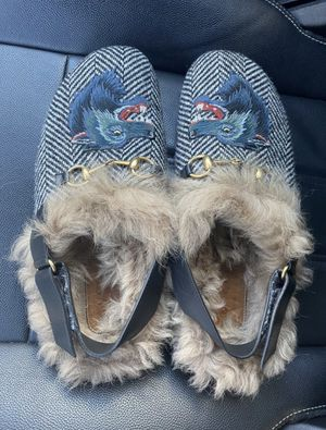 Gucci Black Men's Fur Herringbone Slippers with Wolf Head Mules/Slides for Sale in Kansas City, MO
