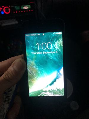 iPhone 5 for Sale in Lynnwood, WA