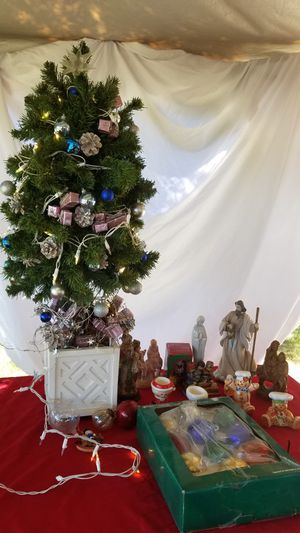 Christmas Items for Sale in Fowler, CA