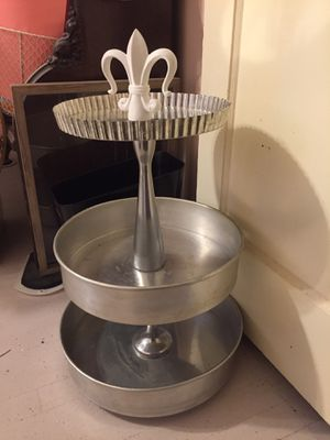 Tiered metal stand for Sale in Elmsford, NY