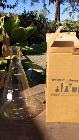 Pyrex cylinder lab ware for Sale in Los Nietos, CA