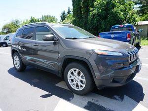 2014 Jeep Cherokee latitude for Sale in Warren, OR