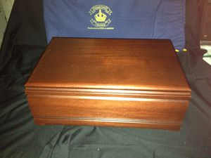 Beautiful Cigar Humidifier for Sale in Affton, MO