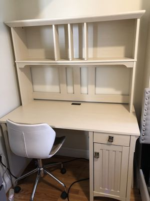 Desk and hutch with rolling chair for Sale in Boston, MA