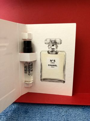 100% AUTHENTIC Chanel No 5 L'EAU Perfume EDT Spray Sample Vial 0.06 oz / 2 ml for Sale in San Diego, CA