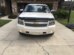 2013 Chevy Avalanche Black Diamond 66k miles immaculate condition no issues,rebuilt title , 80 tire thread left new battery every option available fo for Sale in Prairieville, LA