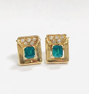 14K Solid Yellow Gold Earrings with 10 real Diamonds. Weight 5.5g for Sale in Miami, FL