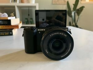 *SONY 5100* Excellent condition. Amazing camera for Sale in Penn Hills, PA