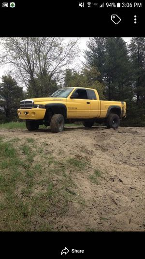 Dodge Ram 2000 I believe for Sale in Prudenville, MI