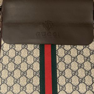 Gucci Shoulder Bag for Sale in Pittsburgh, PA