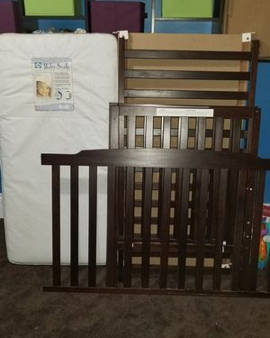 Crib and changing table for Sale in Columbus, OH