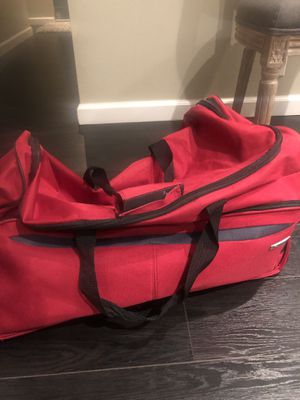 Red large travel bag for Sale in Glendale, CA