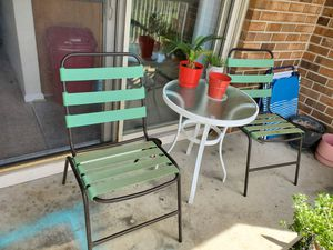 2 chairs and table for Sale in Virginia Beach, VA