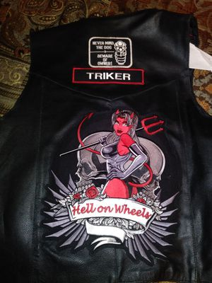 XL MOTORCYCLE VEST..Obo for Sale in TEMPLE TERR, FL