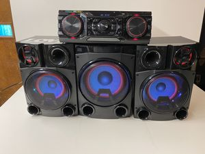 LG XBOOM 2750W Stereo Bluetooth System for Sale in Garfield, NJ