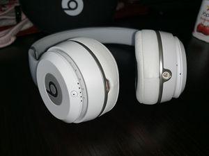 Beats solo 3 wireless for Sale in Miami Gardens, FL