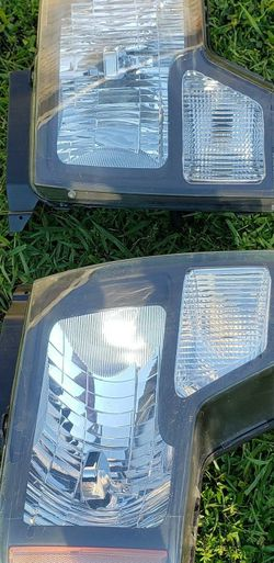 2009 F150 Headlights And Fob Lights for Sale in Charlotte,  NC