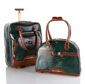 Samantha Brown 2-piece Rolling Cabin Bag and Tote Set - GREEN/BROWN Croco Embossed Like Brand New for Sale in Buena Park, CA