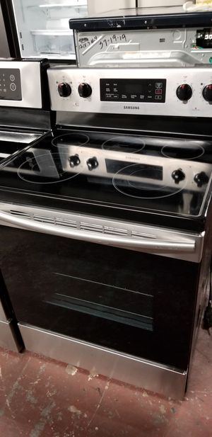 Samsung electric glass top stove stainless steel for Sale in San Antonio, TX
