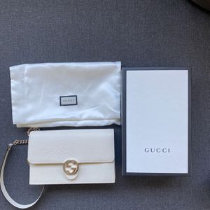 Dollar Calfskin Interlocking Gucci Chain For Wallet White Bag for Sale in Los Angeles, CA