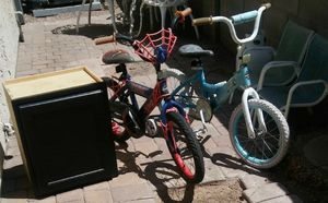 2 Bikes and small cabinet free! for Sale in Phoenix, AZ