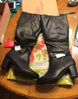 SZ 11 Womes Black Dress Boots - NIB for Sale in Rossville, GA