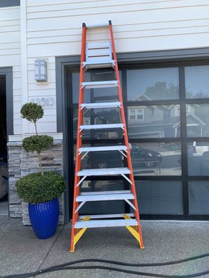 12 ft ladder for Sale in Clackamas, OR