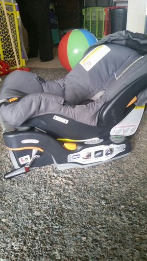 Chicco keyfit 30 car seat + base for Sale in Vista, CA