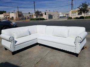 NEW 7X9FT WHITE LEATHER SECTIONAL COUCHES for Sale in Clovis, CA
