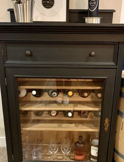 Light Up Bar Cabinet for Sale in East Wenatchee,  WA