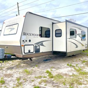 2014 Forest River Rockwood Travel Trailer 34FT With 3 Slides for Sale in Haines City, FL