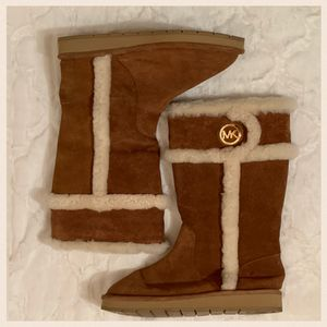 Michael Kors Suede Winter Boots for Sale in Moselle, MS