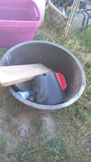 Big water tub for Sale in Ailey, GA