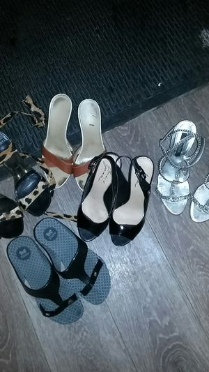 5 pairs of women's shoes size 7 for Sale in Buena Park, CA