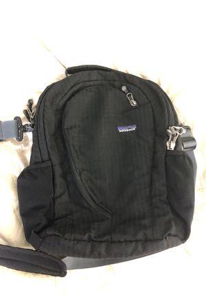 Patagonia shoulder bag for Sale in Troy, MI