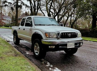 20/02 Toyota Tacoma SR5 4-DOOR 4X4 truck all option for Sale in Columbus,  OH