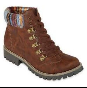 Brand New Women's Size 6.5/7 Boots with Memory Foam (Retail $89.99+tax) for Sale in Woodbridge, VA