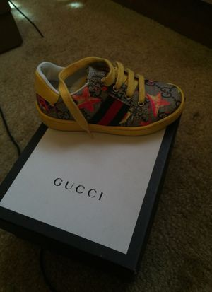 Authentic Gucci girl shoe for Sale in Nashville, TN