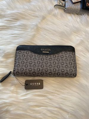Guess Wallet for Sale in Bell Gardens, CA