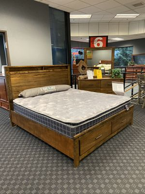 4 Piece Queen Bedroom Set / Price Includes: Bed Frame, 1 Nightstand, Mirror & Dresser / Extra Nightstand is Available for for $99 for Sale in Vancouver, WA