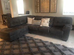 Charcoal Sectional, pillows included $300 obo for Sale in Riverview, FL