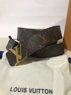 Louis Vuitton Brown Monogram Belt (Buy Now & Get A FREE Pair Of Gucci Socks!) for Sale in Queens, NY