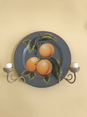 Decorative wooden plates w/ candles for Sale in Havre de Grace, MD